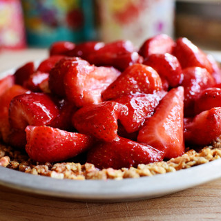 Strawberry Pretzel Pie | The Pioneer Woman | Photo Credit: The Pioneer Woman